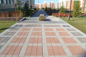 Бульвар Осенний г. Кемерово 2015г тротуарная брусчатка